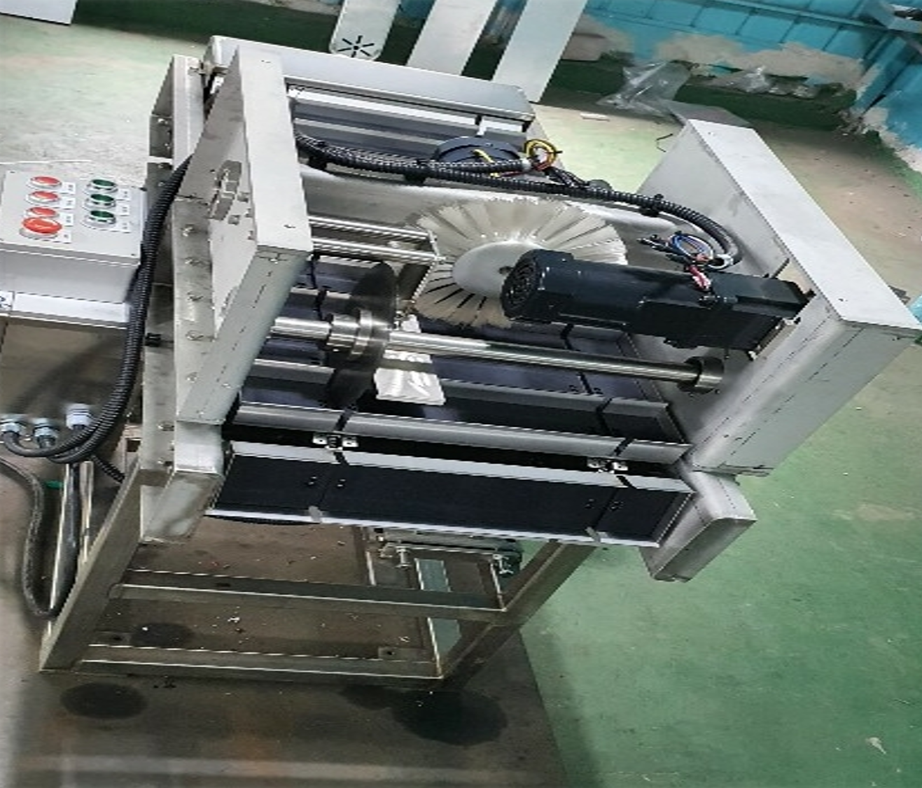 Fish's head and Tail Cutting Machine.png